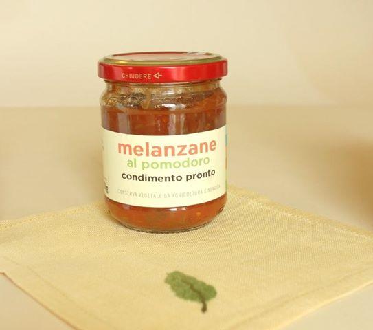 melanzane in polpa di pomodoro